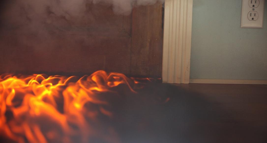 Appicca-fuoco-allabitazione-della-donna